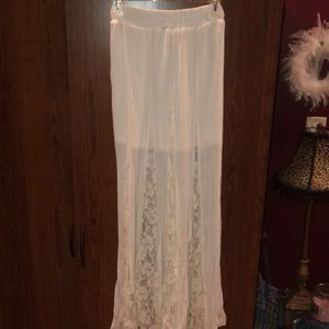 Off white, floral lace maxi skirt. LIKE NEW sz S